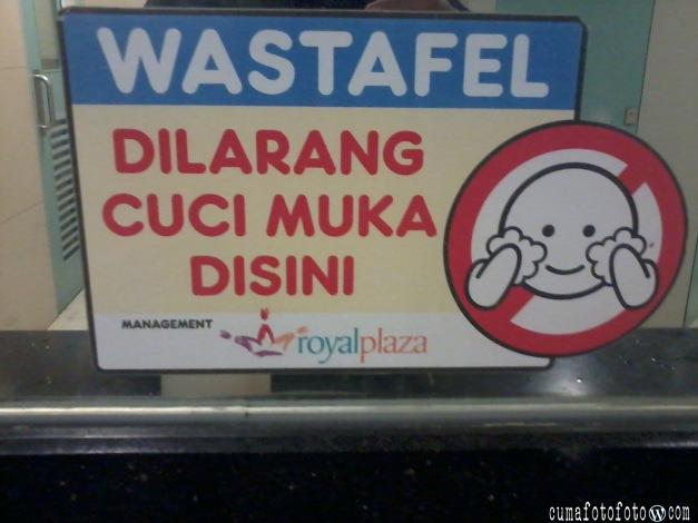 Dilarang Cuci Muka